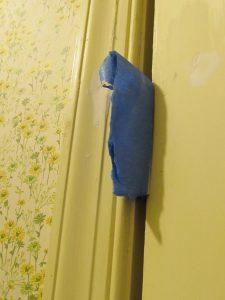 Tape off door hinges