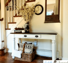 Fall foyer everyway decor and a thrift store table makeover #makeover #farmhouse #foyer