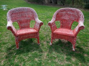 Painting wicker chairs that are old with chipped paint