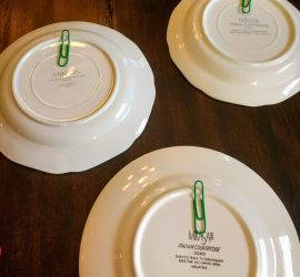 Hang plates on the wall with paper clips and hot glue. Easy DIY home decor hack. #farmhouse #homediy #walldecor