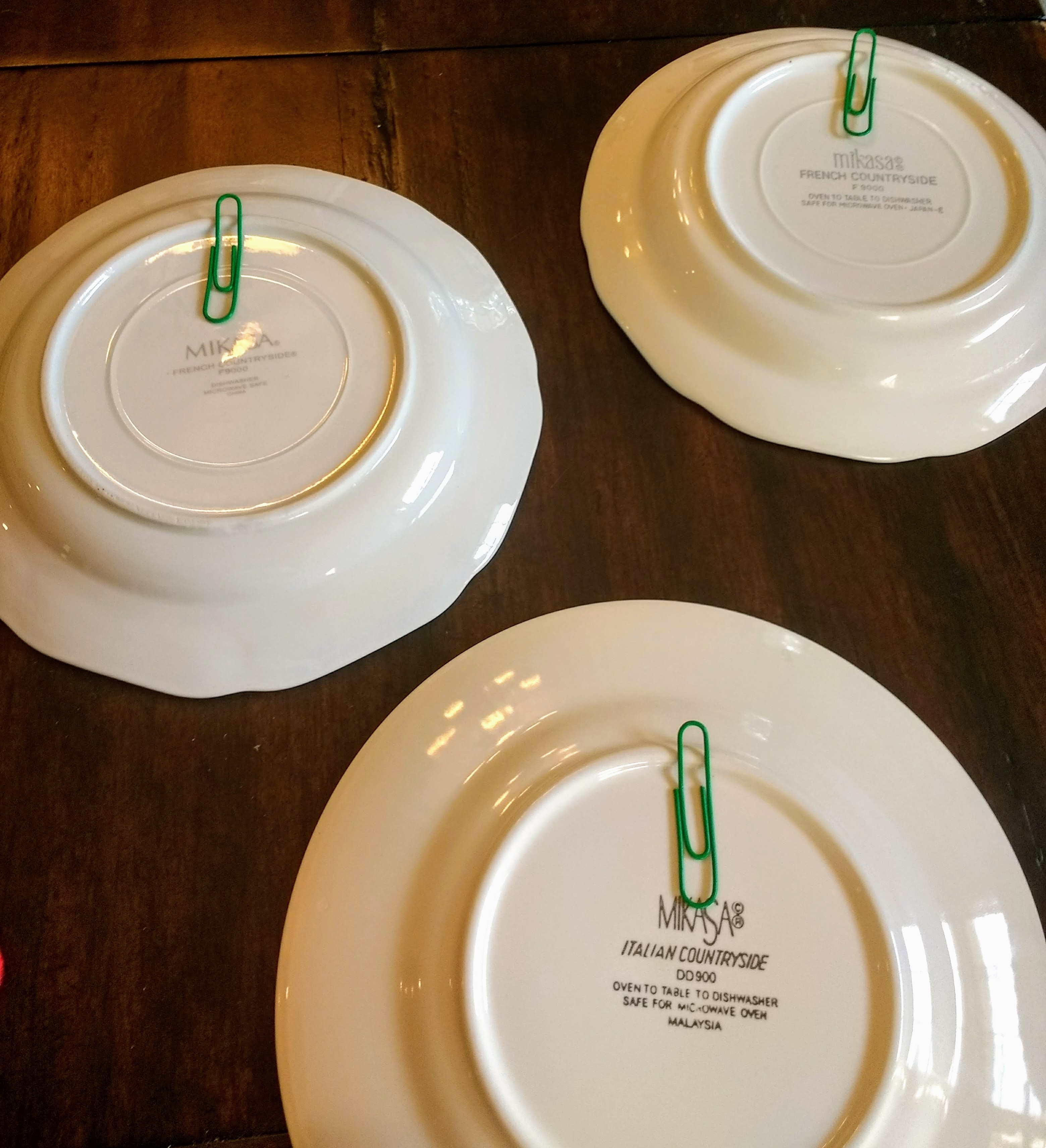 DIY Plate Hangers With Paperclips