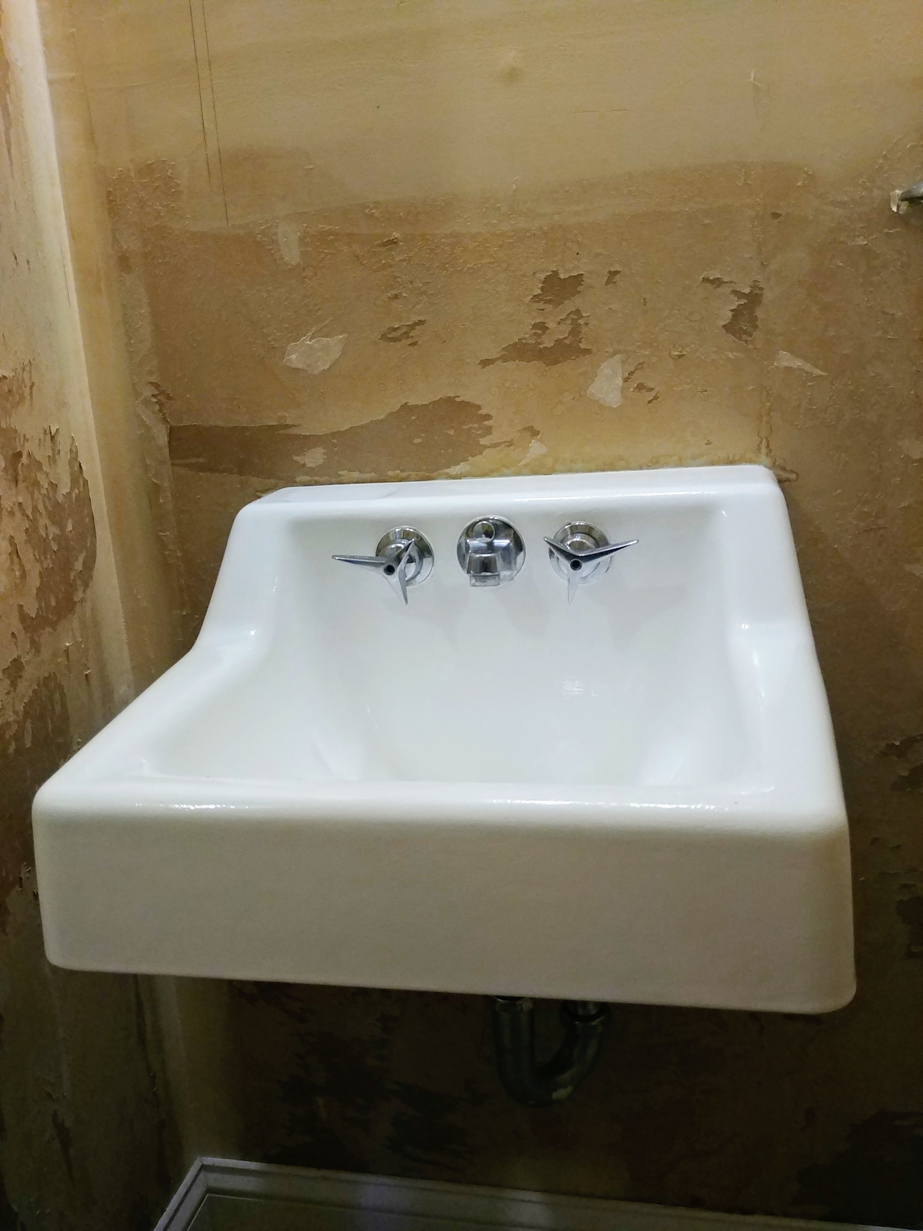How To Paint The Bathroom Sink 100 Room Challenge Week 2 Joyfully Treasured